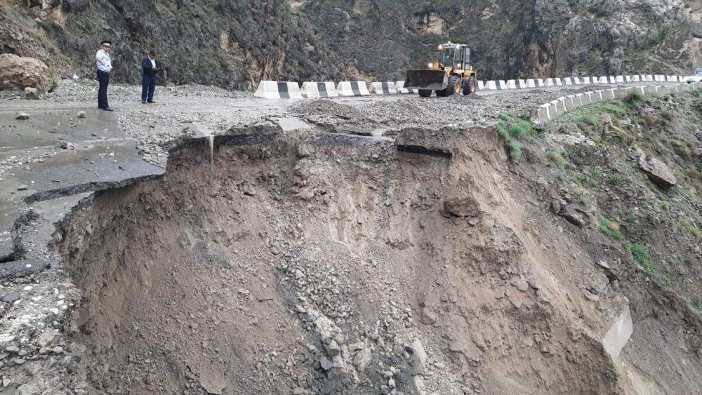 Ливни в горах Дагестана размыли дороги и подтопили более 80 домов