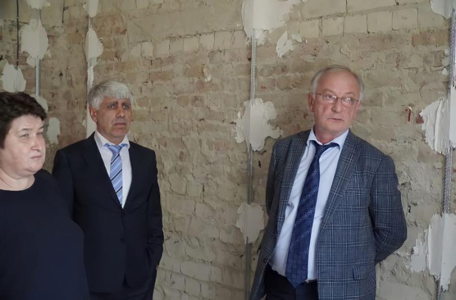 Обсужден вопрос реконструкции неиспользуемых помещений Дагестанского музея изобразительных искусств