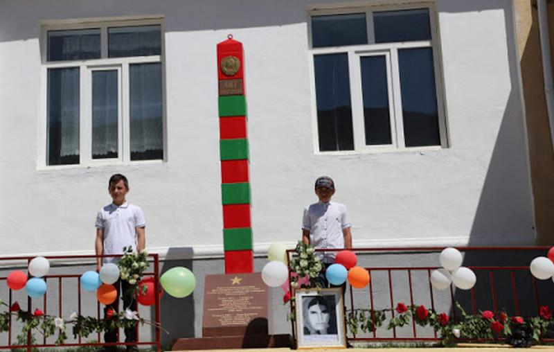 В Ботлихском районе возвели памятник погибшим в контртеррористической операции в 1995 году