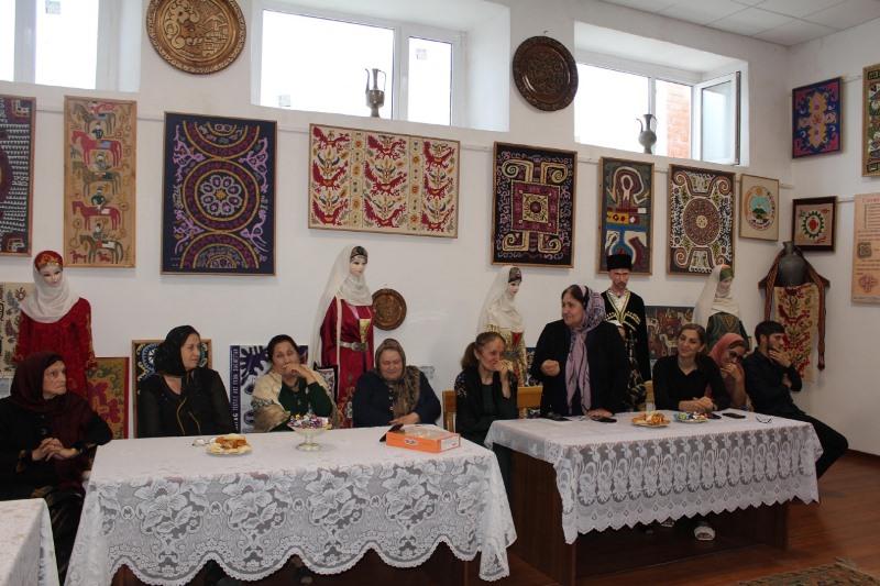 Творческий вечер поэта Патимат Мирзаевой состоялся в Кайтагском районе
