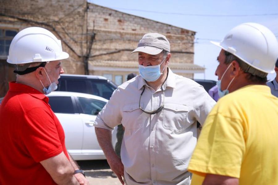 Сергей Меликов осмотрел ряд важных объектов в Южно-Сухокумске