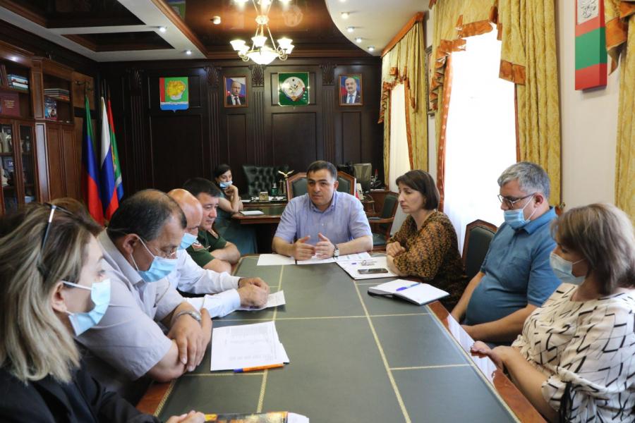 Глава Магарамкентского района поручил ускорить темпы вакцинации от COVID-19