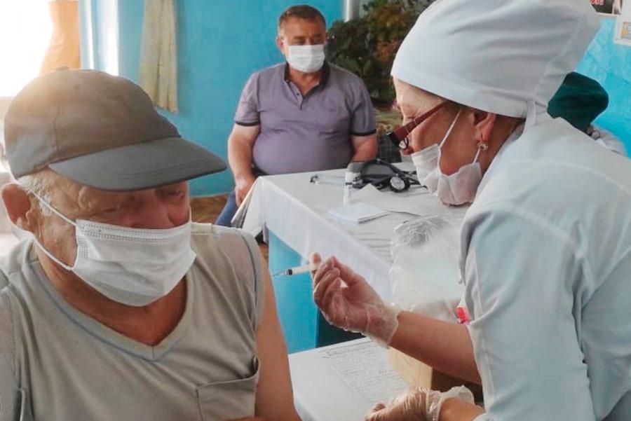Жителям отдаленных сел Кайтагского района облегчили возможность вакцинироваться