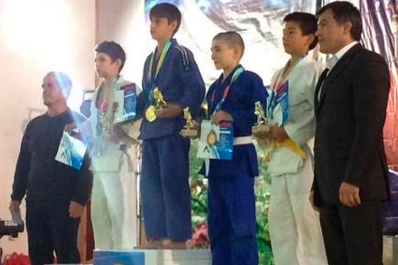 Дзюдоисты Кайтагского района стали призерами соревнований, посвященных Герою России