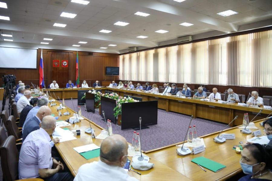 Совет старейшин и Совет по правам человека обсудили актуальные проблемы Дагестана