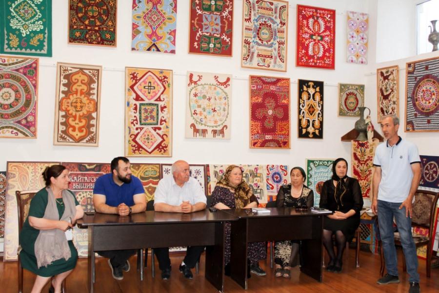 Творческий вечер народного писателя Дагестана Касумбека Миграбова состоялся в Кайтагском районе