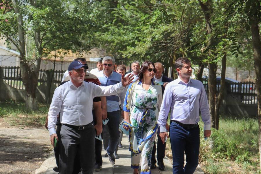Правительственная делегация посетила Южно-Сухокумск