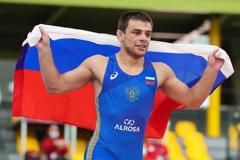 Три вольника из Дагестана добыли золото на чемпионате Европы среди юниоров