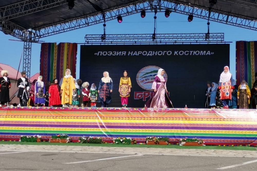 Кайтагский район принял участие в параде «Поэзии народного костюма»