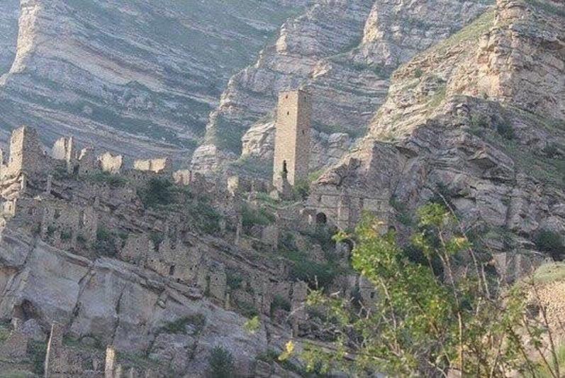Дагнаследие распорядилось закрыть для туристов башню в Старом Кахибе