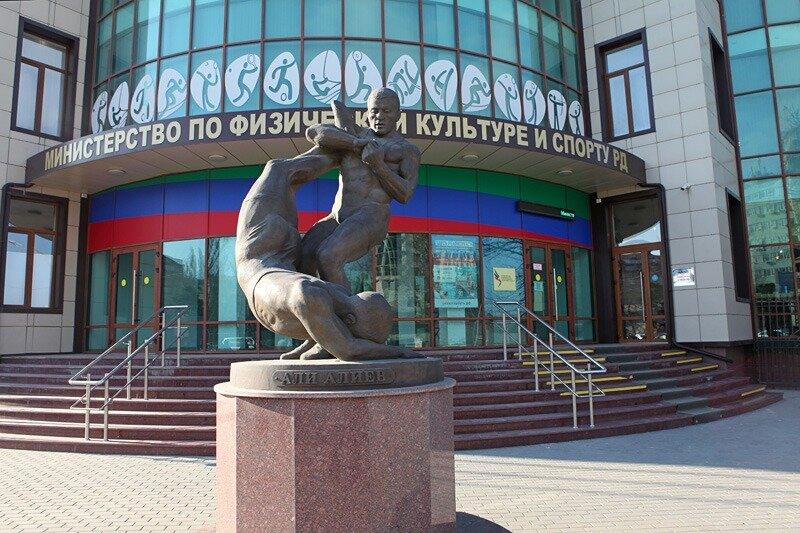 Минспорт Дагестана запретил соревнования и тренировки в крытых помещениях