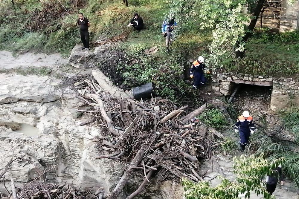 Пять человек пропали без вести после ливня. В пяти районах Дагестана размыты дороги