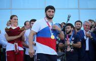 В аэропорту Махачкалы встретили олимпийцев Дагестана