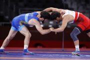 Завур Угуев пробился в финал олимпийского турнира вольников
