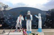 В оздоровительном комплексе «Журавли» открыли памятник медикам, борющимся с COVID-19