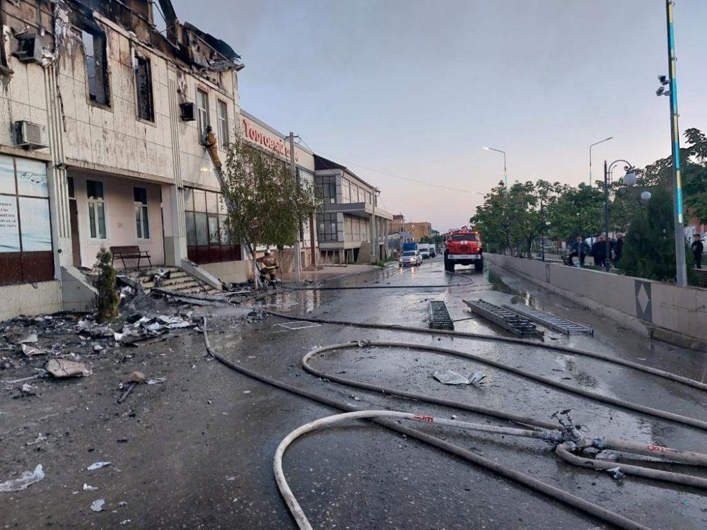 СКР: задержан хозяин сгоревшей гостиницы. Среди погибших – гражданин Азербайджана