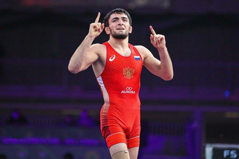 Борец из Дагестана взял первое золото ЧМ для сборной России
