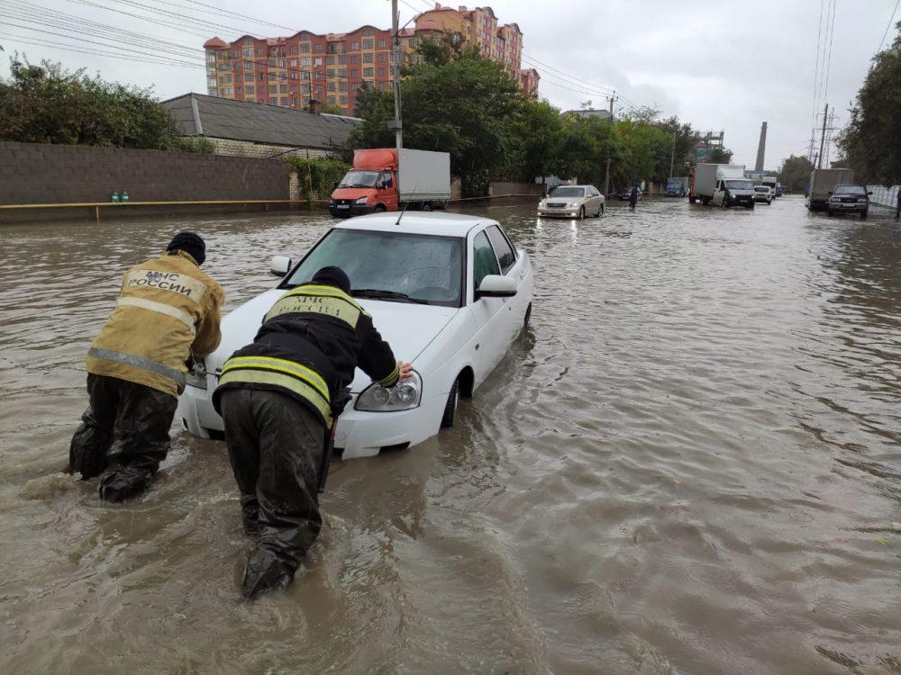 Махачкала и Каспийск снова «поплыли» после дождя