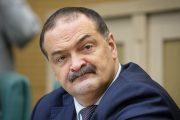 Меликов отчитал депутатов парламента за несоблюдение масочного режима