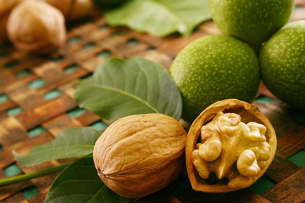 Грецкий орех -  пища для богатырей