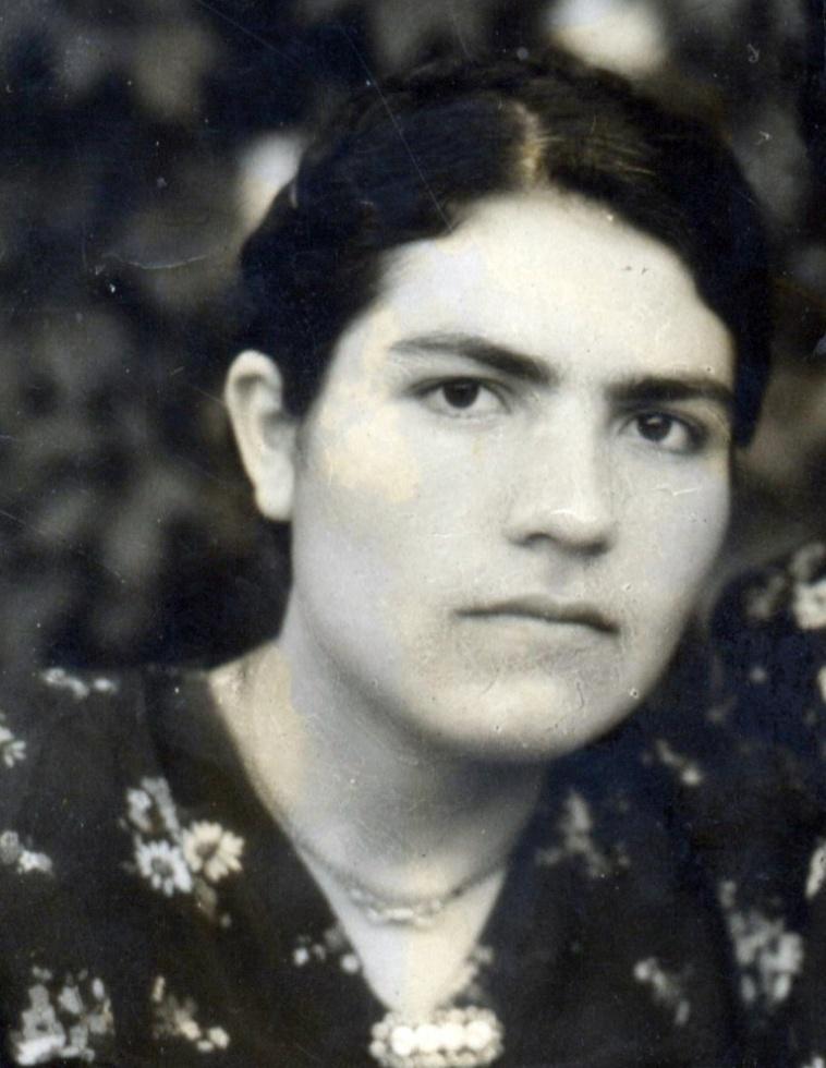 Шевкет Турабова, домохозяйка, (1938-1966)