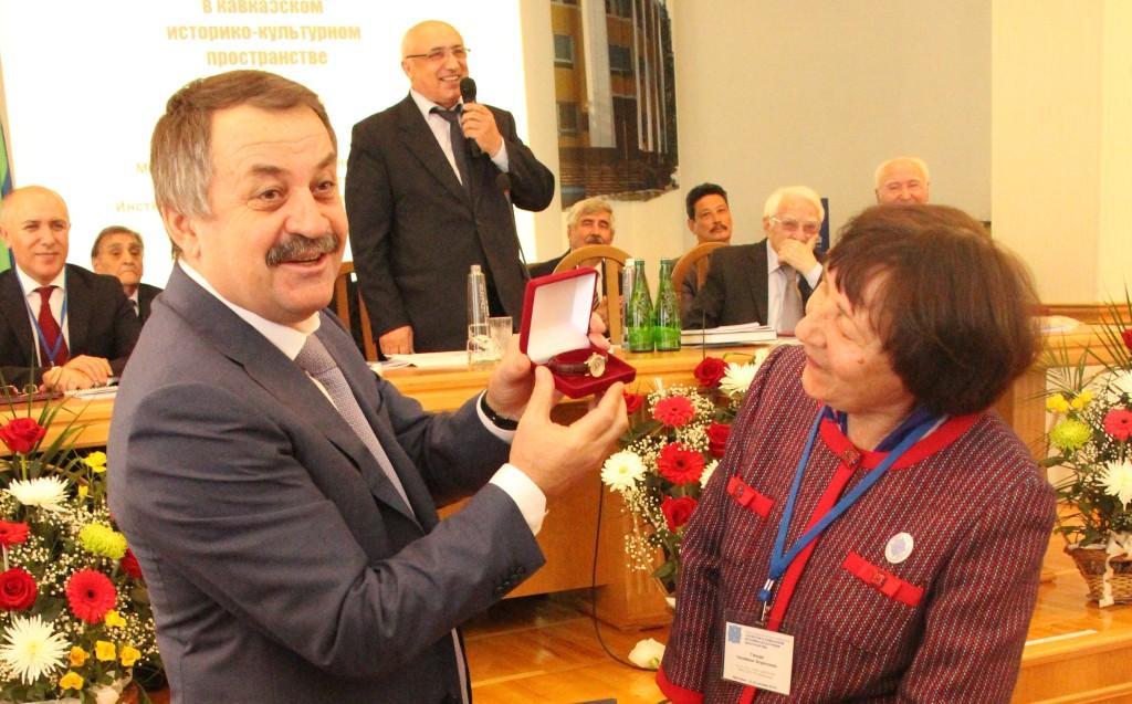 Часы для  дагестанской  истории
