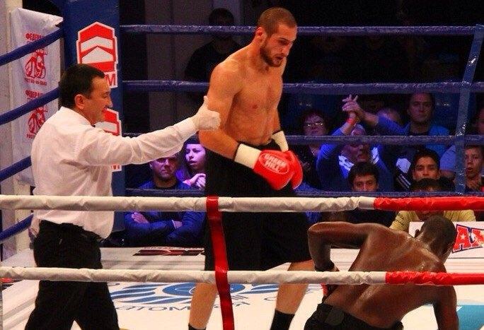 В Ростове-на-Дону россиянин  Аликлыч Канболатов  стал чемпионом мира по боксу