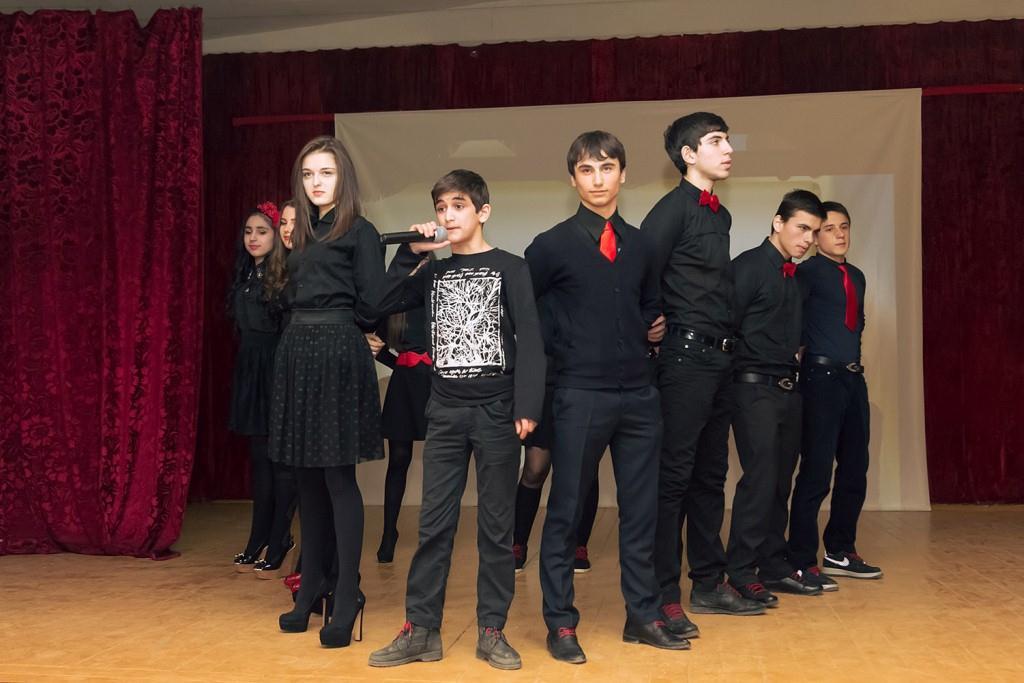 Школьные команды КВН вновь на волне юмора