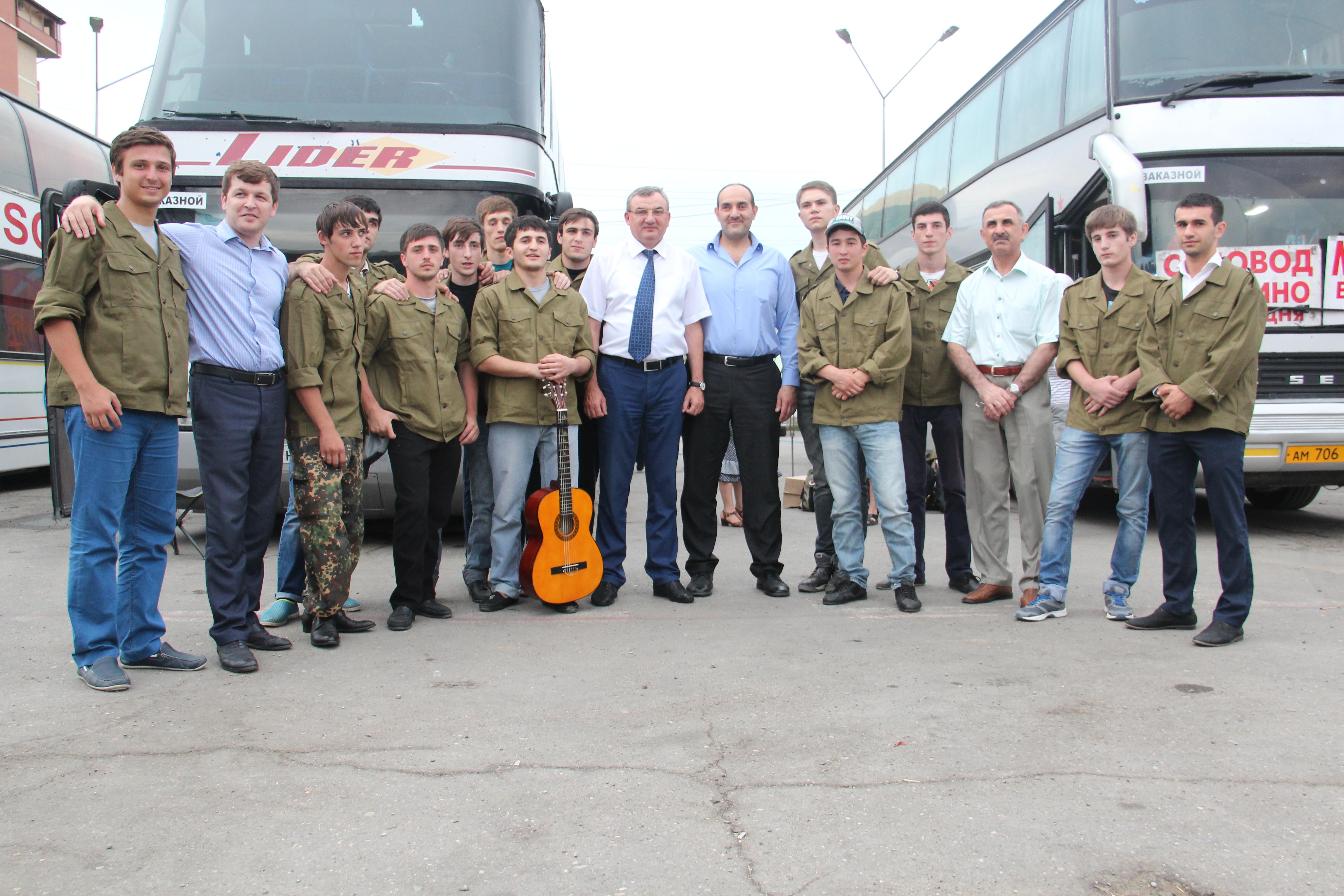 15 дагестанских студентов отправились на строительство космодрома