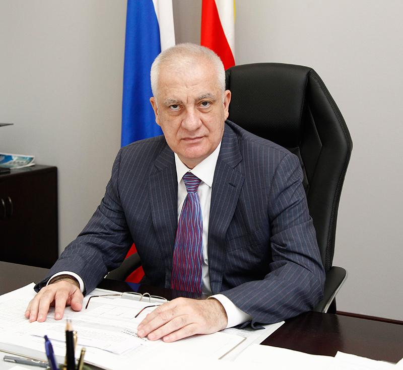 Глава  Северной Осетии Тамерлан Агузаров поздравил дагестанцев с  2000-летием основания Дербента