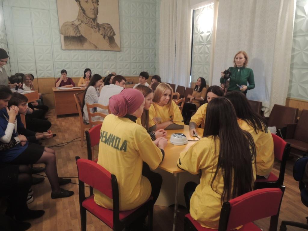 Студенты филиала ДГУ в Кизляре победили в интеллектуальной игре «Брейн-ринг»