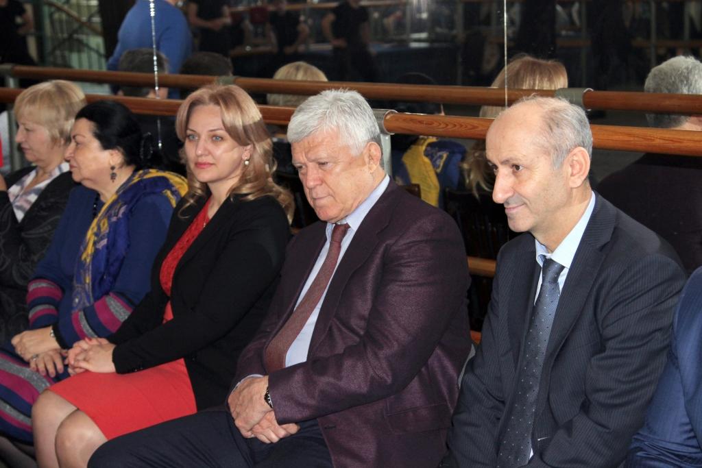 Хизри Шихсаидов и Зарема Бутаева встретились с коллективом ансамбля «Лезгинка»