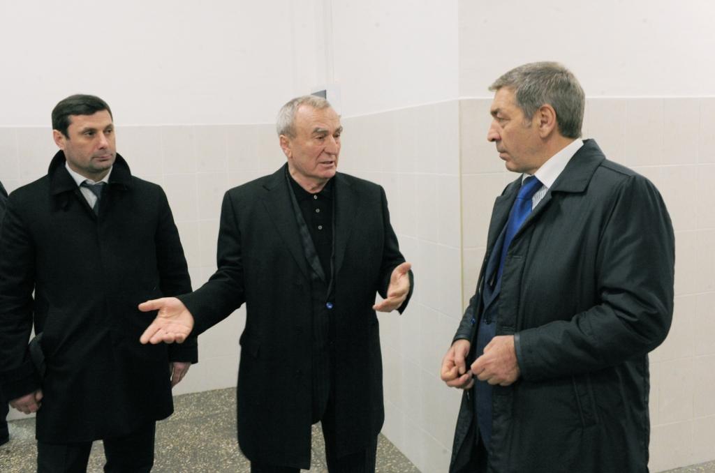 Абдусамад Гамидов посетил новый колбасный завод в Карабудахкентском районе