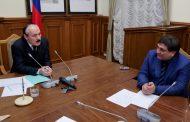Глава Дагестана поздравил Сайгидпашу Умаханова с назначением на пост министра транспорта, энергетики и связи РД