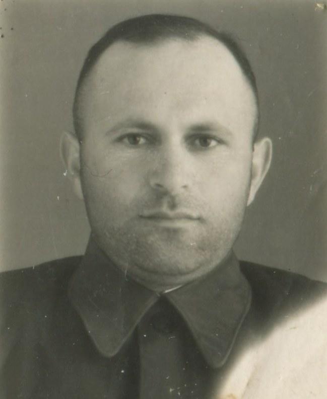 Якуб Рувинов,  водитель