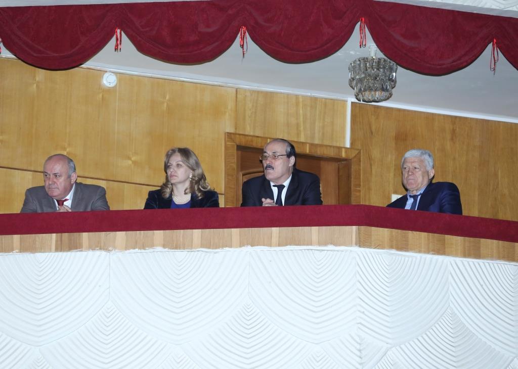 Глава Дагестана посетил концерт ансамбля танца «Алан» в Махачкале