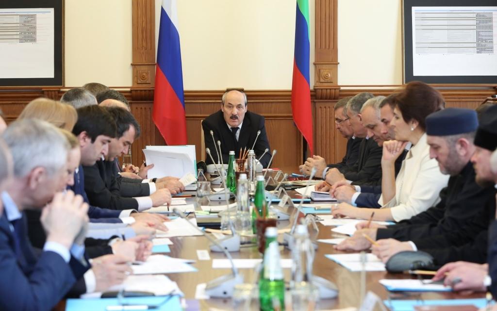 Под руководством Рамазана Абдулатипова состоялось заседание Республиканского оргкомитета «Победа»