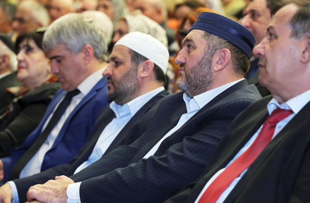 Рамазан Абдулатипов принял участие в работе II Республиканской конференции некоммерческих организаций