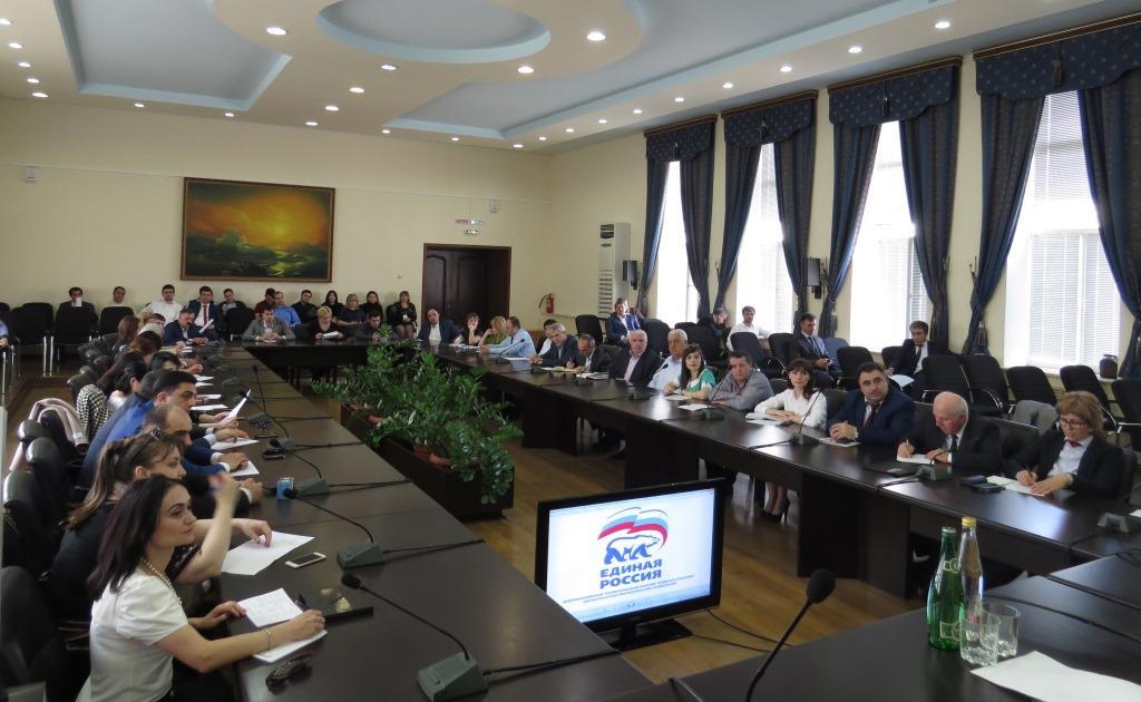 Проведение предварительного голосования и технику работы в социальных сетях обсудили на семинаре в Даггосуниверсистете
