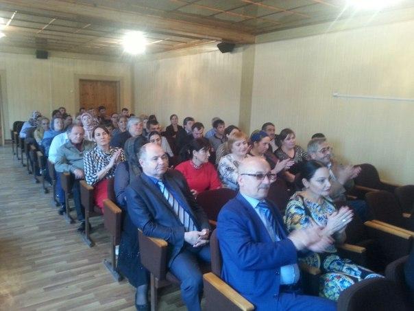 Глава Хасавюрта Зайнудин Окмазов провел торжественное вручение наград в честь Дня местного самоуправления