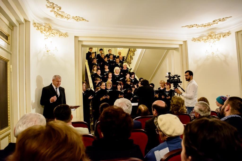 Премьера концерта-спекткля Госхора РД в Театре поэзии