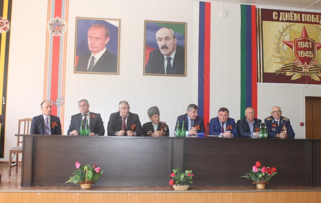 В Гергебильском районе участники предварительного голосования встретились с избирателями