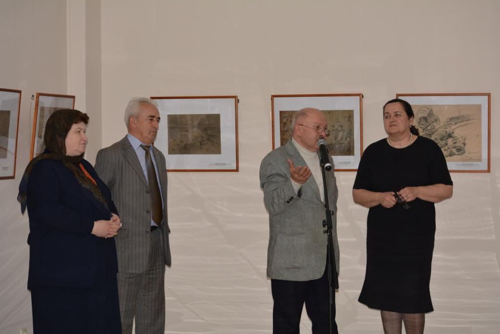 Выставка ко Дню Победы открылась в Доме поэзии
