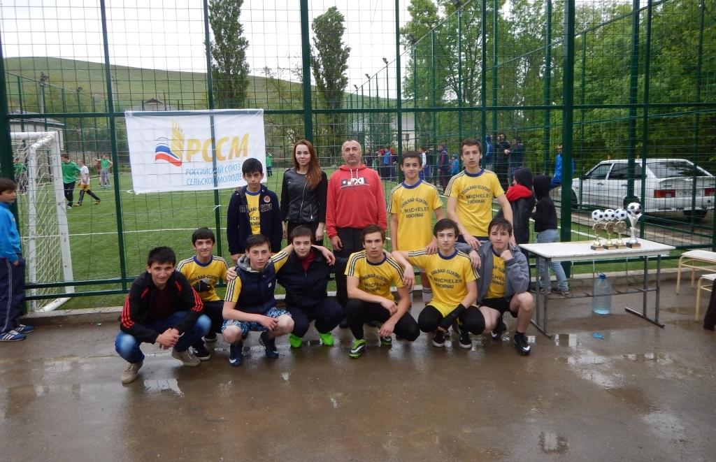 Буйнакское отделение РССМ организовало футбольный турнир, приуроченный к 71-летию Победы в ВОВ