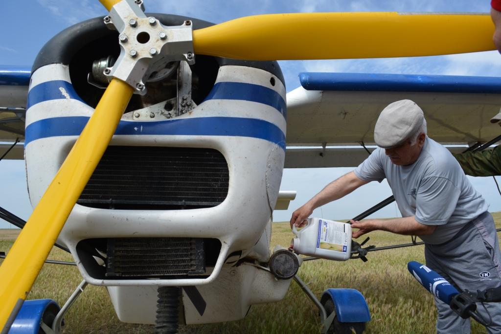 В Дагестане к борьбе с саранчой привлечены силы малой авиации