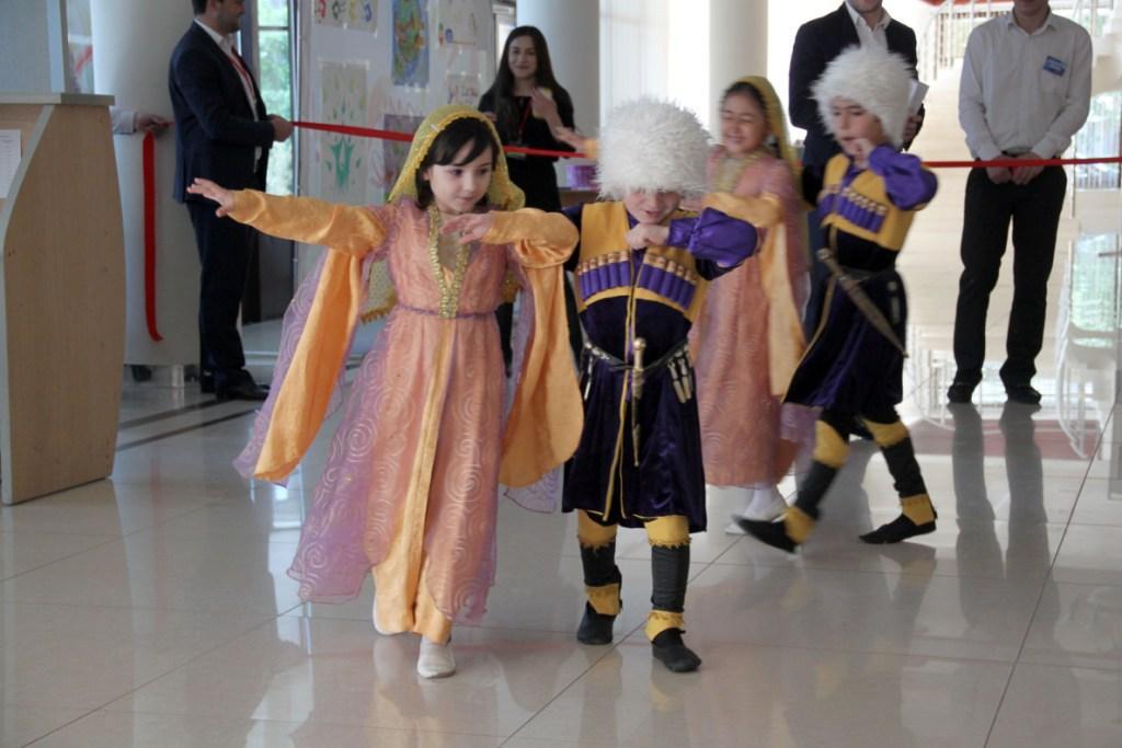 Благотворительная ярмарка «Мир глазами ребенка» прошла в Махачкале