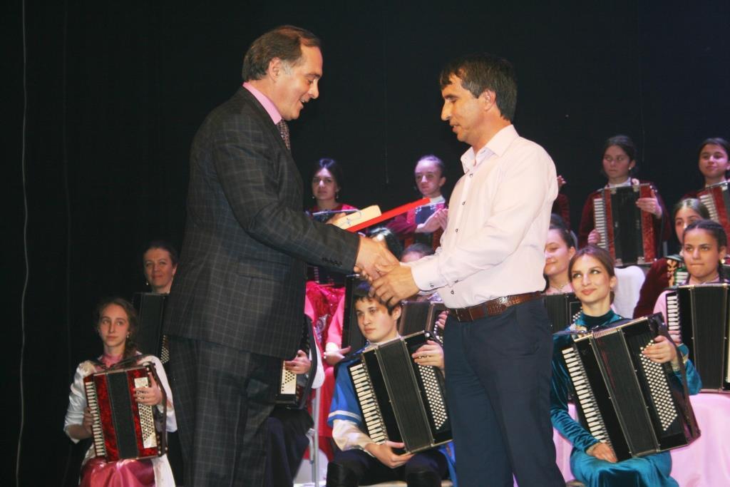 Музыкант из Дагестана выступил на Международном фестивале во Владикавказе