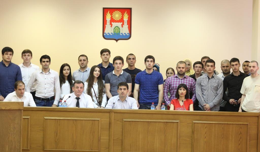 Молодым депутатам Махачкалы рассказали о развитии ипотечного бизнеса в Дагестане и формировании политического имиджа