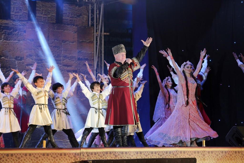 В Махачкале прошли торжественные мероприятия, приуроченные ко Дню Конституции Дагестана