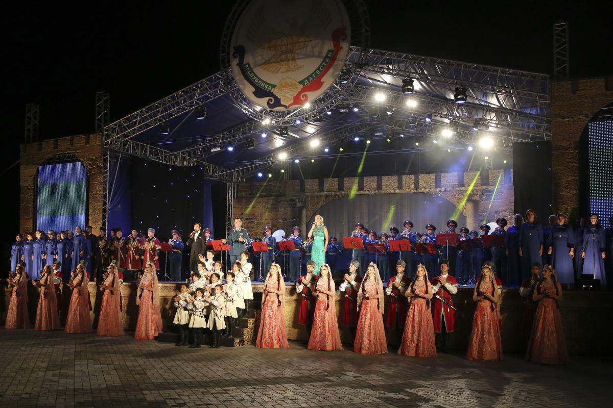 В Махачкале прошли торжественные мероприятия, приуроченные ко Дню Конституции Дагестана9
